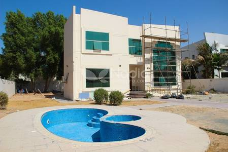 6 Bedroom Villa for Rent in Umm Suqeim, Dubai - Large 6 Bedroom Villa for Rent in Al Manara