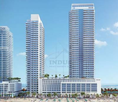 2 Bedroom Flat for Sale in Dubai Harbour, Dubai - Stunning Beachfront Living at Marina Vista