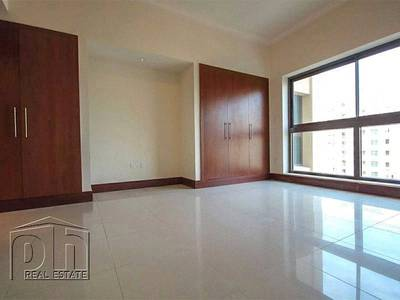 2 Bedroom Apartment for Rent in Palm Jumeirah, Dubai - 2 BED C TYPE +Maids High Floor Road View
