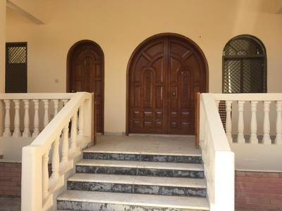 5 Bedroom Villa for Rent in Al Karamah, Abu Dhabi - WONDERFUL NEWLY RENOVATE VILLA FOR RENT IN KARAMA'