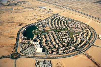 Plot for Sale in Dubai Investment Park (DIP), Dubai - Land 72000 sq feet - commercial plot for building Mall / shopping complex Dhs. 85/- sq. feet