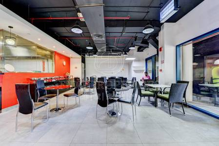 Shop for Rent in Jumeirah Lake Towers (JLT), Dubai - Fitted Shop   Right on Lake   Busy area