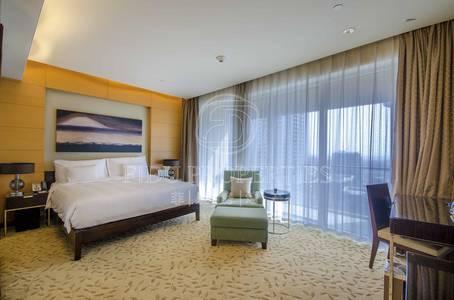 Studio for Rent in Downtown Dubai, Dubai - Stunning and Luxurious Furnished Studio