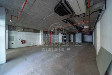 Shop for Rent in Jumeirah Lake Towers (JLT), Dubai - Semi fitted   Full lake view   4 cheques