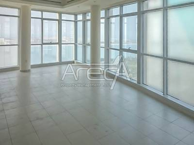4 Bedroom Apartment for Rent in Corniche Road, Abu Dhabi - Stylish 4 Bed Apt with Sea View, Maid Room! Corniche Road