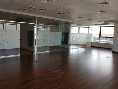 Office for Rent in The Greens, Dubai - Fitted with partitionrooms | Onyx Tower 1