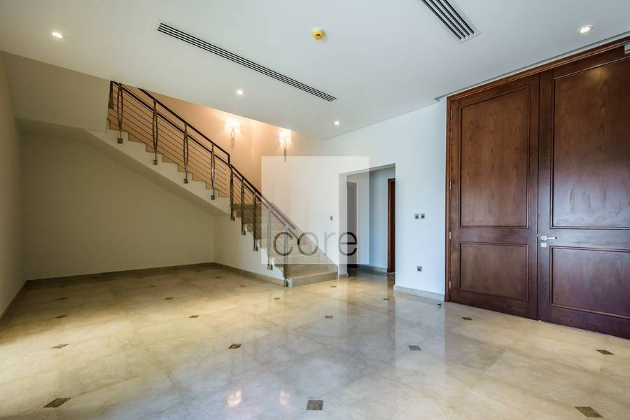 2 Luxury Commercial Villa | Fitted | Balcony