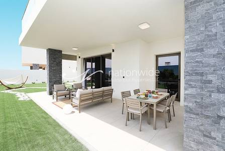5 Bedroom Villa for Sale in Yas Island, Abu Dhabi - A Perfect living Experience in Yas Acres