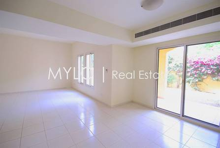 3 Bedroom Villa for Rent in The Lakes, Dubai - Type A Middle I Back to Community Center