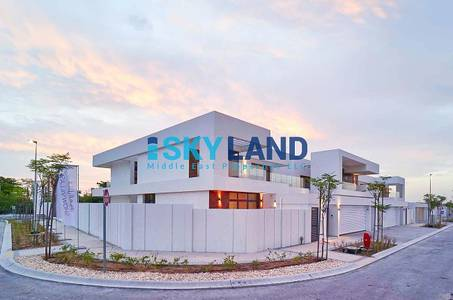 5 Bedroom Villa for Rent in Yas Island, Abu Dhabi - hot deal luxury 5beds + maid in big plot
