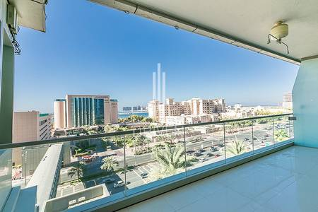 3 Bedroom Flat for Rent in Dubai Marina, Dubai - Spacious 3 Bed Apartment with Palm View.