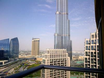2 Bedroom Flat for Rent in Downtown Dubai, Dubai - High Floor 2BR Lofts West with Burj View