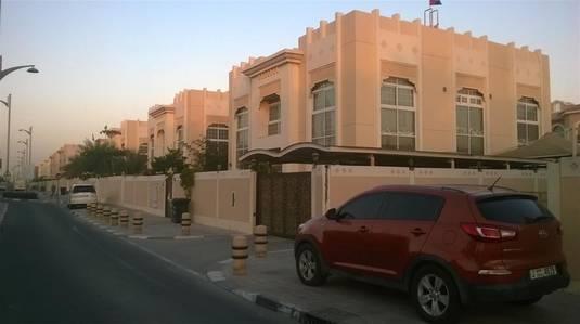 Villa for Rent in Jumeirah, Dubai - Commercial Villa in  Prime Location Beach Road Jumeirah