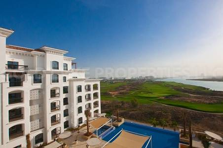 2 Bedroom Flat for Rent in Yas Island, Abu Dhabi - Top Floor 2BR w/ Nice Golf and Sea View!