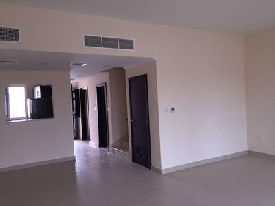 3 Bedroom Villa for Sale in International City, Dubai - INVESTORS DEAL. VACANT 3BED VILLA WITH EQUIPPED KITCHEN N PARKING