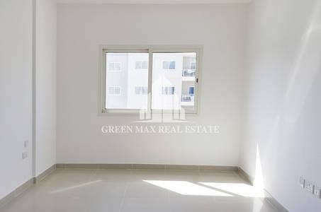 1 Bedroom Flat for Rent in Al Reef, Abu Dhabi - Specious One Br Apt in Al Reef In 3 Pyt.