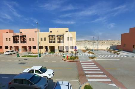 2 Bedroom Villa for Sale in Hydra Village, Abu Dhabi - Buy Two Bedroom Villa In Hydra Village.