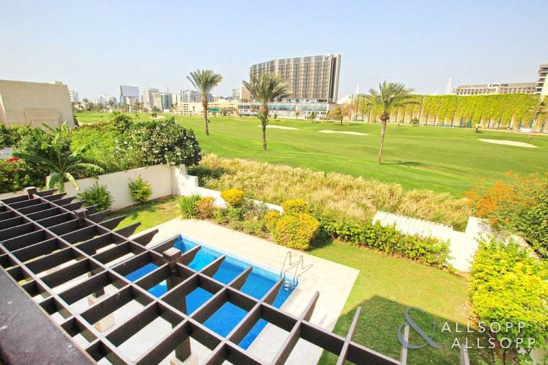2 Private Pool   Stunning Golf Course View