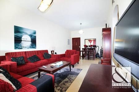 2 Bedroom Flat for Sale in Dubai Marina, Dubai - Vacant | Close to Metro | Two Bedrooms