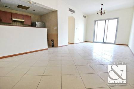 2 Bedroom Apartment for Sale in Dubai Marina, Dubai - Close to Metro | 2 Bedroom | Marina Diamond<BR/><BR/>