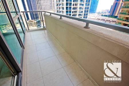 1 Bedroom Flat for Sale in Dubai Marina, Dubai - Vacant | Metro Nearby | Mid Floor | 1 Bed