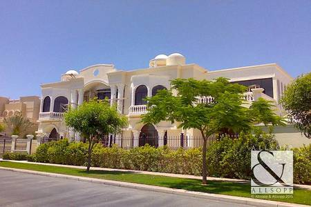 7 Bedroom Villa for Rent in Emirates Hills, Dubai - Available Now | Lake View | Private Pool