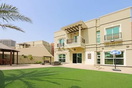 5 Bedroom Villa for Rent in Dubai Sports City, Dubai - 5 B/R   Maids & Drivers   Gallery Villas