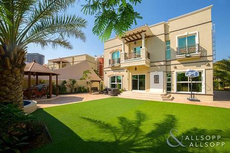 5 Bedroom Villa for Sale in Dubai Sports City, Dubai - Extended | Five Bed | Maids and Drivers
