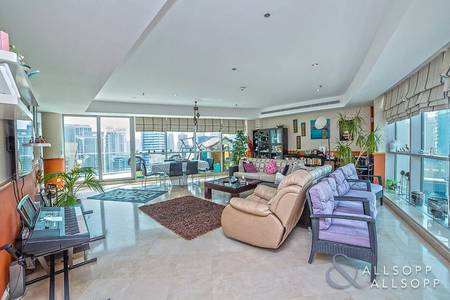 3 Bedroom Penthouse for Sale in Dubai Marina, Dubai - Penthouse | Marina View | 3,810 sq. feet