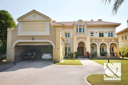 5 Bedroom Villa for Rent in Jumeirah Islands, Dubai - 5 Bedrooms | Owner Occupied | Landscaped