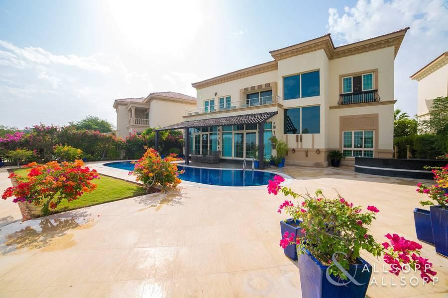 10 Garden Hall Villa | Extended | Main Lake