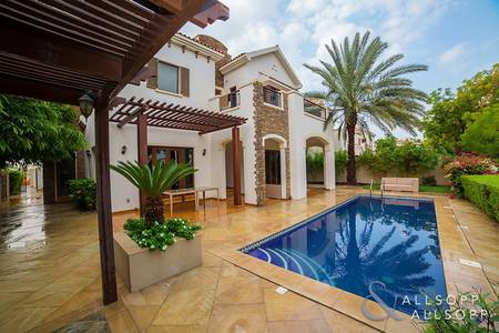 4 Bedroom Villa for Rent in Jumeirah Golf Estate, Dubai - Golf Course   Private Pool   Upgraded Kitchen