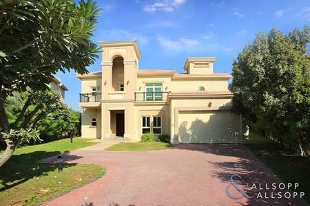 4 Bedroom Villa for Sale in Jumeirah Islands, Dubai - Entertainment Foyer | Modified | Vacant