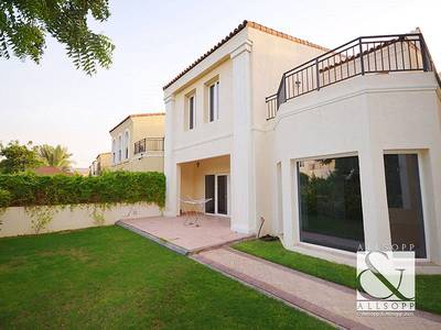 4 Bedroom Townhouse for Rent in Motor City, Dubai - Backing Pool   4 Bed + Maids   Cul-De-Sac