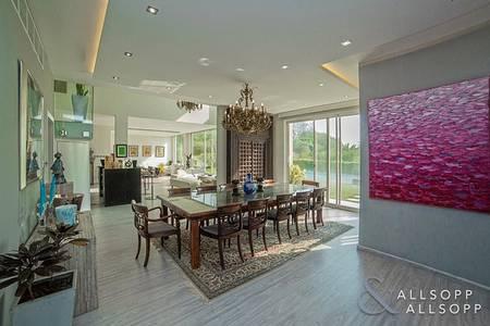 فیلا 5 غرف نوم للبيع في جزر جميرا، دبي - Entertainment Foyer | Upgraded | Extended