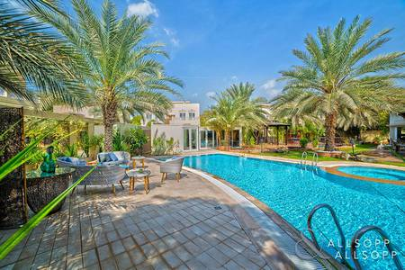 6 Bedroom Villa for Rent in The Meadows, Dubai - Exclusive | Heavily Upgraded | Luxurious