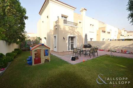 3 Bedroom Villa for Sale in The Lakes, Dubai - Vacant On Transfer | End Villa | Ghadeer