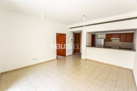 1 Bedroom Flat for Sale in The Greens, Dubai - 7% Net Return | Street View | Vacant Now