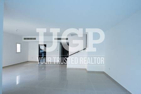 5 Bedroom Villa for Sale in Al Reef, Abu Dhabi - Hot Deal! 5BR Villa with Pool and Garden