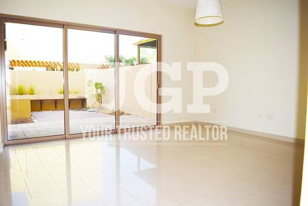 4 Bedroom Townhouse for Sale in Al Raha Gardens, Abu Dhabi - Affordable huge 4BR TH Parking  Garden!