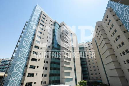 3 Bedroom Flat for Rent in Al Raha Beach, Abu Dhabi - Huge 3BR apt w/ Maids Rm and Facilities!