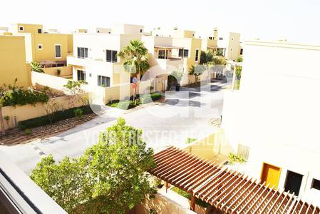 4 Bedroom Townhouse for Rent in Al Raha Gardens, Abu Dhabi - Luxurious 4BR in Prime Location for Rent