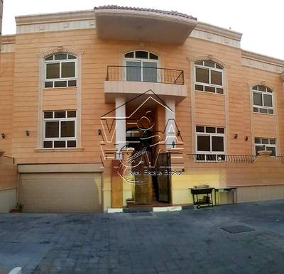 5 Bedroom Villa for Rent in Khalifa City A, Abu Dhabi - Private Entrance 5 Bed Villa with Private Garage