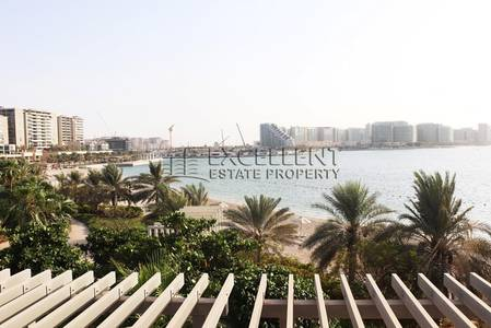 5 Bedroom Villa for Rent in Al Raha Beach, Abu Dhabi - Luxurious 5 BR Villa with Private Beach & Waterfront