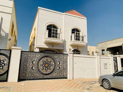 5 Bedroom Villa for Sale in Al Mowaihat, Ajman - For sale a two-story villa facing a second stone piece of the general street at an excellent price