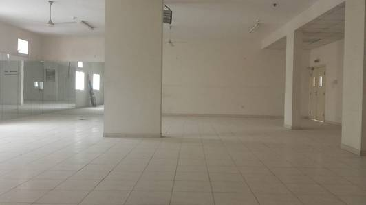Labour Camp for Rent in Muhaisnah, Dubai - Independent camp -80 rooms; 4 & 6 persons ; 400 persons; 1 kitchen & 1 dining rent in sonapur