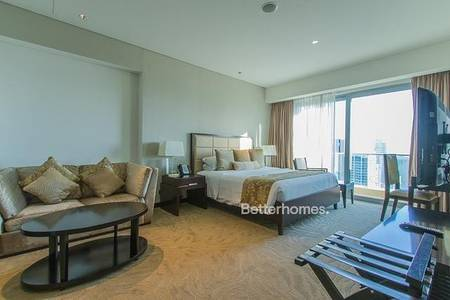 Hotel Apartment for Rent in Dubai Marina, Dubai - Beautiful Fully furnished Serviced Studio with breath taking views. Cheques Negotiable!