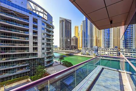 2 Bedroom Flat for Sale in Dubai Marina, Dubai - Magnificent View Large 2 Bedroom on the Water