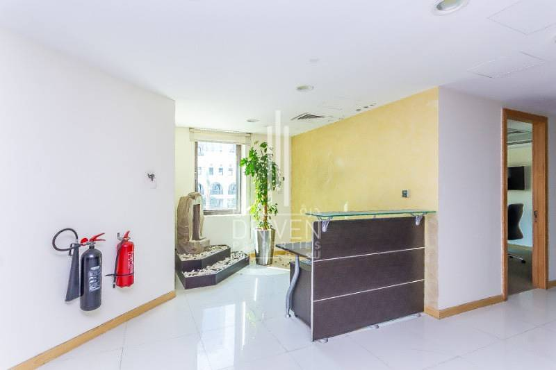 Spacious furnished office in Al Saaha - Downtown