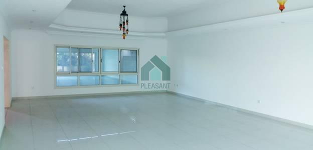 4 Bedroom Villa Compound for Rent in Umm Suqeim, Dubai - 4 Br + Maids | Well Maintained | Compound Villa |